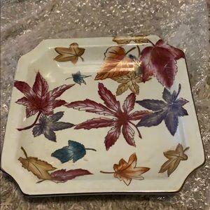 Jewelry tray with flowers
